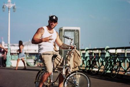 Low Tide / Brighton Beach - Brighton Folk street photography series
